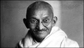 Quelle fut la première profession de Gandhi ?