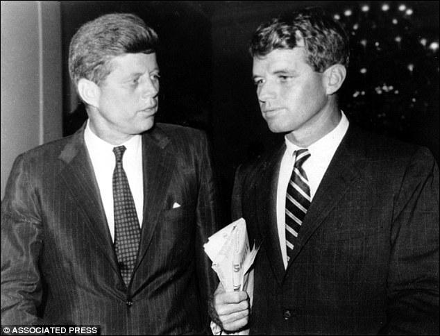 Quel lien de parenté unissait le président des États-Unis John Fizgerald Kennedy et son Attorney Général, Robert Francis Kennedy ?