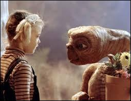 "Qui a réalisé le film ""E.T l'extra-terrestre"" sorti en 1982 ?"