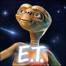 """Dans """"E.T. 2"""", l'alien pourrait revenir sur Terre et y être coincé le jour des attentats des tours jumelles :"""