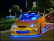 Cette voiture a-t-elle des néons ?