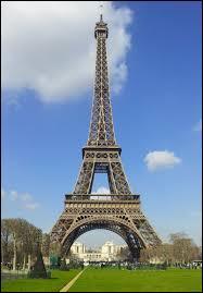 Dans quelle ville française peut-on admirer la Tour Eiffel ?
