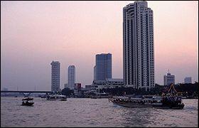 Quel est le nom du fleuve qui traverse Bangkok ?