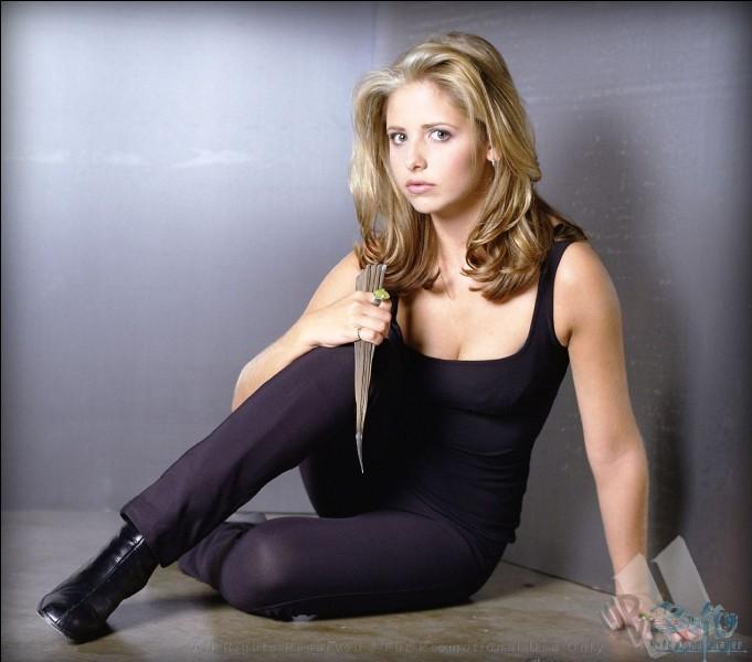 Qui incarne le rôle de Buffy?