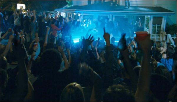 Demain, tu as école, mais une tes potes te dit qu'il y a une soirée fantastique ce soir, que fais-tu ?