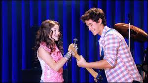 Sur quelle chanson Luna et Simón chantent-ils à l'open de musique ?