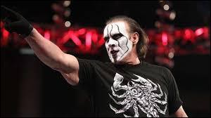 Ce catcheur a fait sa première apparition à la WWE en 2015 c'est...