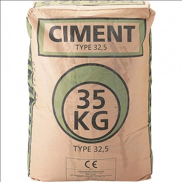 Lequel de ces os est plus solide que du ciment ?