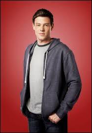 A la mort de Finn,quel objet veulent absolument Kurt, Puck, Santana et Will ?