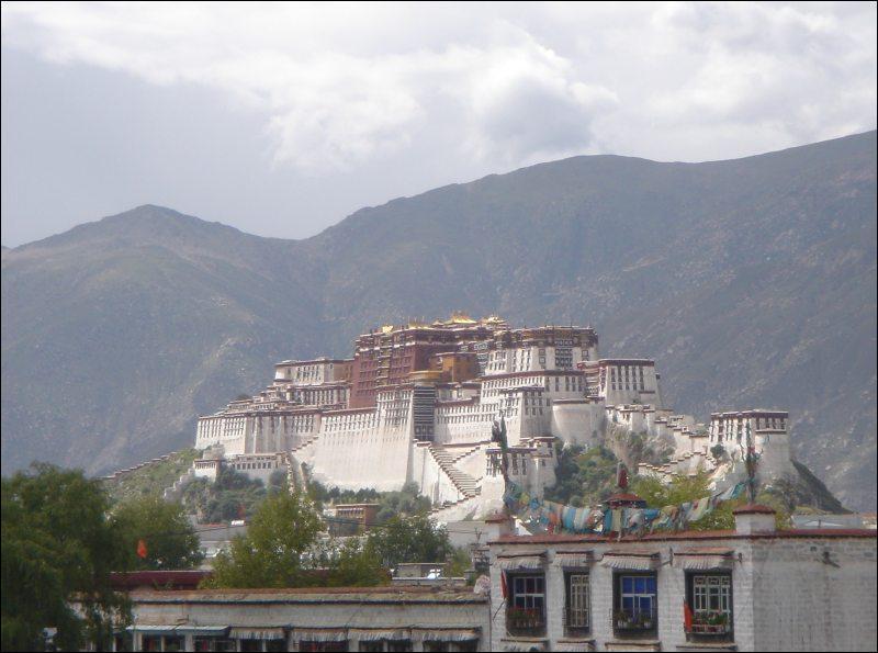 L'ancienne maison du Dalaï Lama.