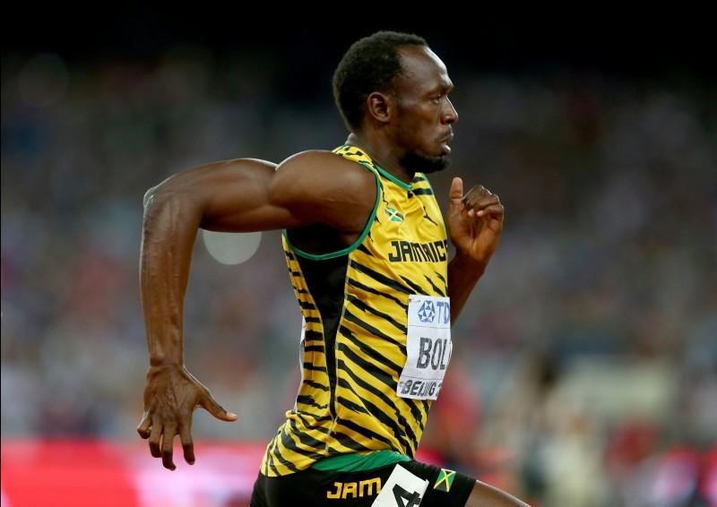 Comment s'appelle le champion olympique et du monde du 100 m ?