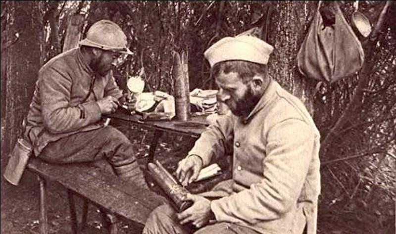 Comment s'appellent les soldats français ?