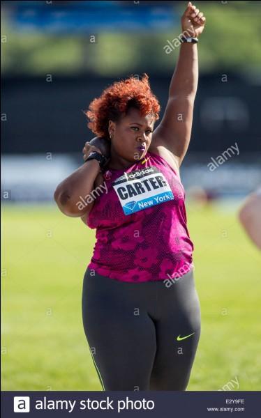 L'américaine Michelle Carter a gagné une médaille d'or au lancer de...