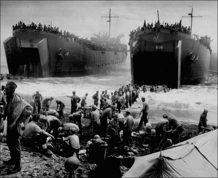 La bataille de Normandie permet aux _________ d'ouvrir un nouveau front face aux troupes ________.