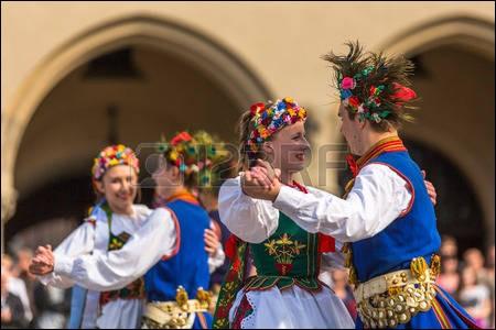 Quelle était cette danse de couple polonaise, en vogue au milieu du XIXe siècle ?