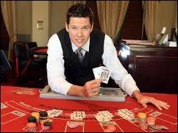 """Dans les casinos, les employés non pas le droit de miser car il est formèlement interdit au crouppier de ponter."""""""