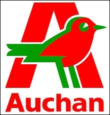 """Vous connaissez le slogant de ce magasin """"Nous, on vit Auchan"""" ... Trop risqué pour moi ! J'y ai acheté des bottes et après j'ai chaud aux pieds."""