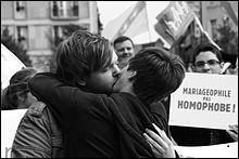 Sous la présidence de François Hollande, une loi autorise le mariage homosexuel. En quelle année cette loi a été promulguée ?