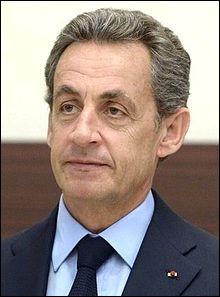 Face à qui Nicolas Sarkozy est-il élu président en 2007, avec 53,06 % des voix ?