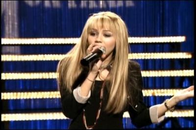 Où Hannah chante-t-elle ?