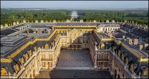 Dans quel château Louis XIV a-t-il beaucoup résidé ?