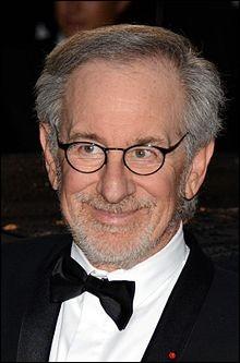 Qui est ce réalisateur, auteur de nombreux films cultes ?