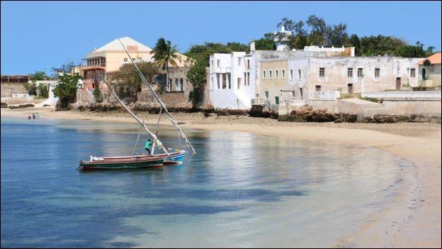 Sur quelle côte de l'Afrique le Mozambique se trouve-t-il ?