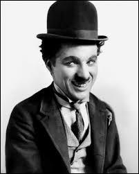 Quel célèbre acteur est mort le 25 décembre 1977 ?