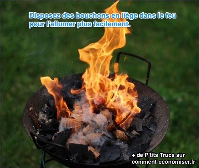 Quelle est l'astuce qui consiste à mettre des bouchons de liège dans le feu ?