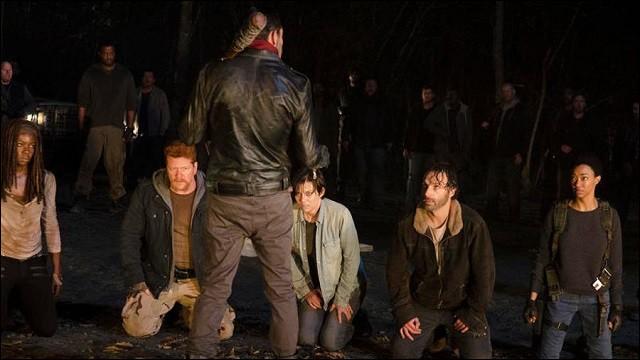 Qui est présent lors de la scène finale de la saison 6 ?