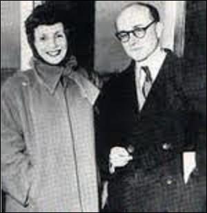 """Restons sur cette personnalité. Pour combler le manque de quotidien le dimanche, il fonde, en 1949, """"Le Journal du dimanche"""". En 1960, il lance aussi l'hebdomadaire """"Télé 7 jours"""", qui succède à """"Télé-60"""". Mort en 1972, il reste également un des pionniers de la télévision en créant, en 1959, la première émission télévisée d'informations et de reportages qui sera diffusée jusqu'en 1968 :"""