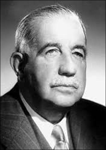 """Syndicaliste, né à Paris en 1879, prix Nobel de la paix en 1951, Léon Jouhaux était un ouvrier allumettier, qui restera de 1909 à 1947 secrétaire générale de la CGT. Considéré au début comme un syndicaliste révolutionnaire et libertaire, il est vu après 1914 comme un """"réformiste"""". Mort en 1954, inhumé dans la division n°88, quel syndicat co-fonde-t-il en 1947, avec Robert Bothereau (1901-1985) ?"""