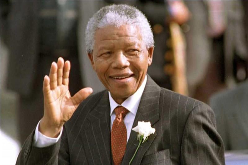 Pendant combien d'années Nelson Mandela a-t-il été emprisonné ?