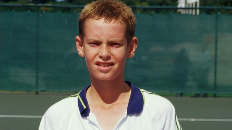 Ce jeune garçon du nom de Murray est devenu célèbre, mais pas pour ce que l'on croit. Sauriez-vous le reconnaître ?