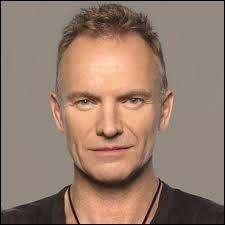 Au sein de quel groupe de rock britannique le chanteur Sting a-t-il débuté sa carrière ?