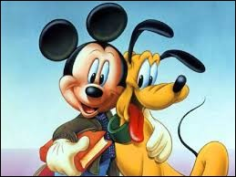 Comment s'appelle le chien de Mickey Mouse ?