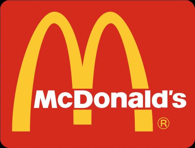 En sortant d'un MacDonald :