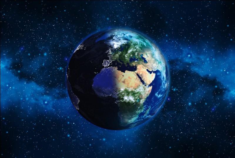 Comment appelle-t-on la Terre ?