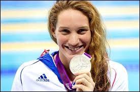 En quelle année la jeune nageuse Camille Muffat est-elle morte ?