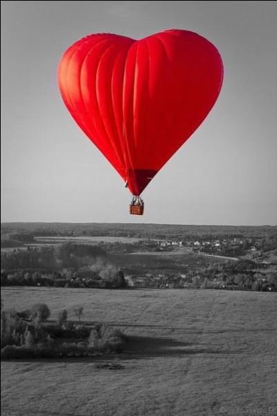 Quels sont les prénoms de ceux à qui l'on doit l'invention de la montgolfière ?