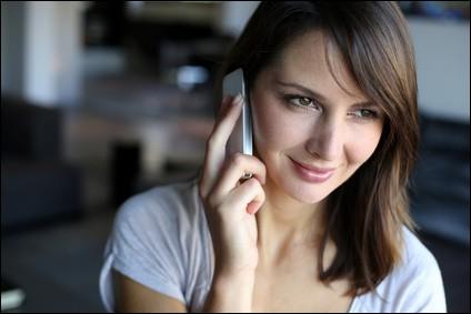 Lors d'un combat à mort, ta petite amie appelle au téléphone :