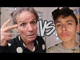 Combien de vidéos a-t-il tournées avec son père ?